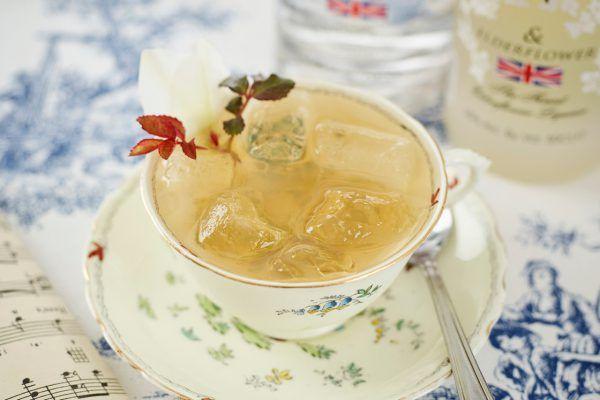 Vodka, lemon juice, and Earl Grey Tea Cocktail