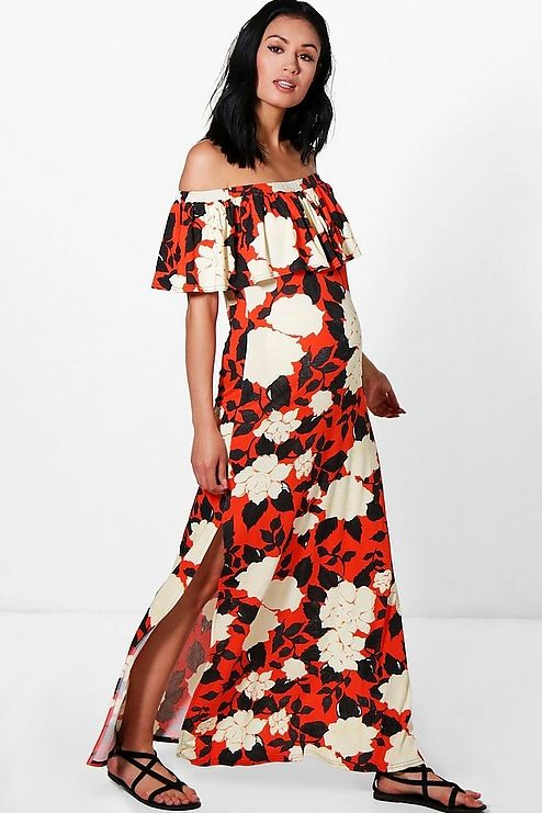 36393f3ef4bb Click here to find out about the Petite Kiera Rose Print Maxi Dress from  Boohoo,