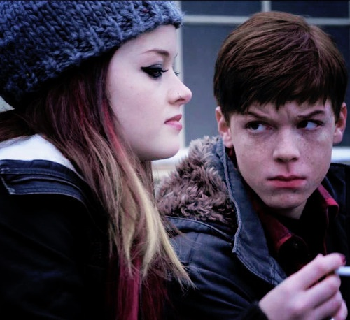 Cameron Monaghan as Ian Gallagher and Jane Levy as Mandy Milkovich in Season 1 of Shameless (US).