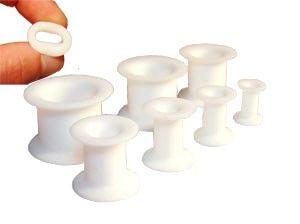 TUNNEL SOUPLE SILICONE BLANC http://www.aiapiercing.com/piercing-ecarteur/silicone/tunnel-souple-silicone-blanc-diametres-au-choix-de-4mm-a-24mm #tunnel #piercing #blanc #silicone