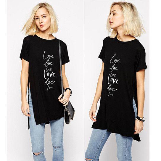 Купить товарЛето Dreses сексуальная сплит женщина футболка с коротким рукавом письмо Pritnrd черный туника топы баски онлайн женщина одежда большой размер в категории Футболкина AliExpress.                                       Размер диаграммы