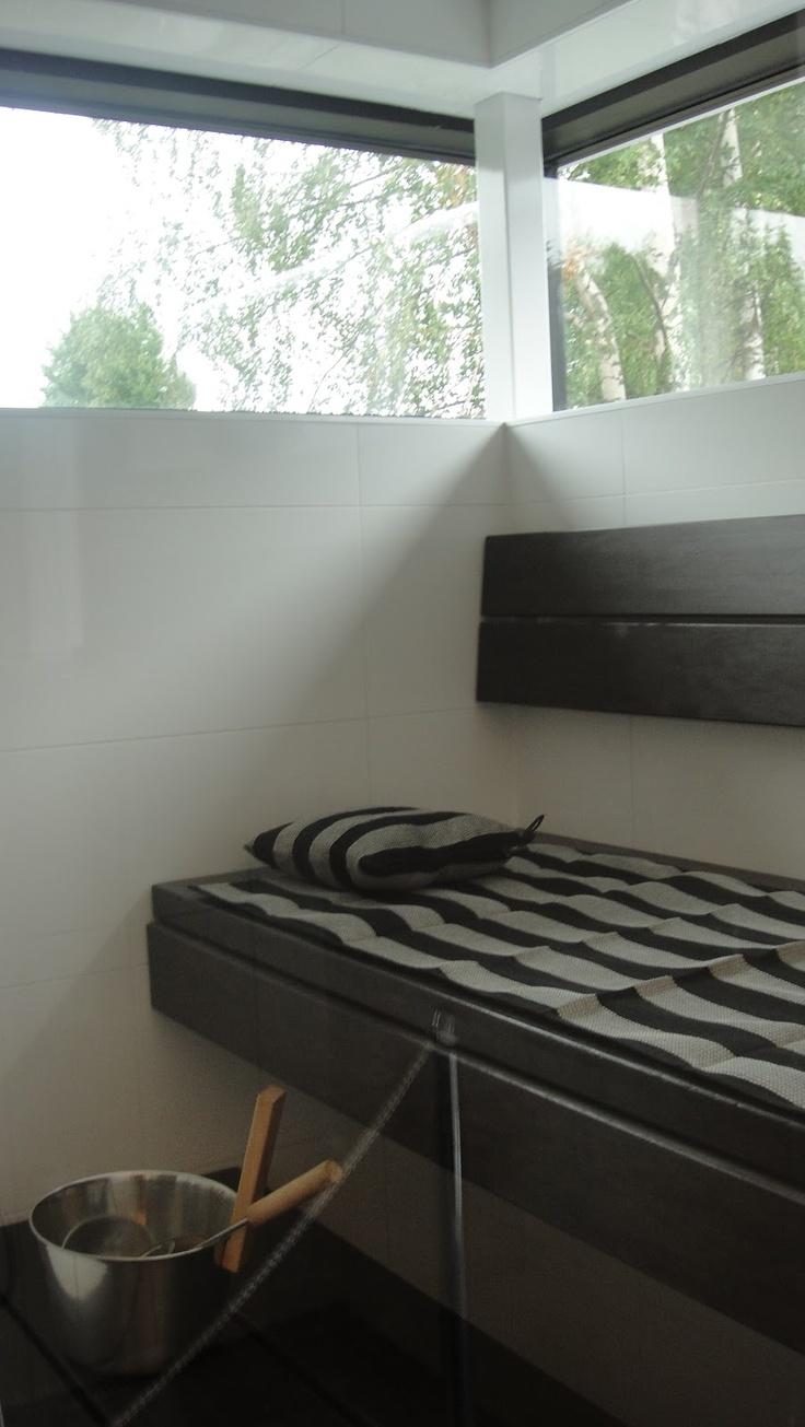 Black & White Sauna  Tampereen asuntomessut 2012