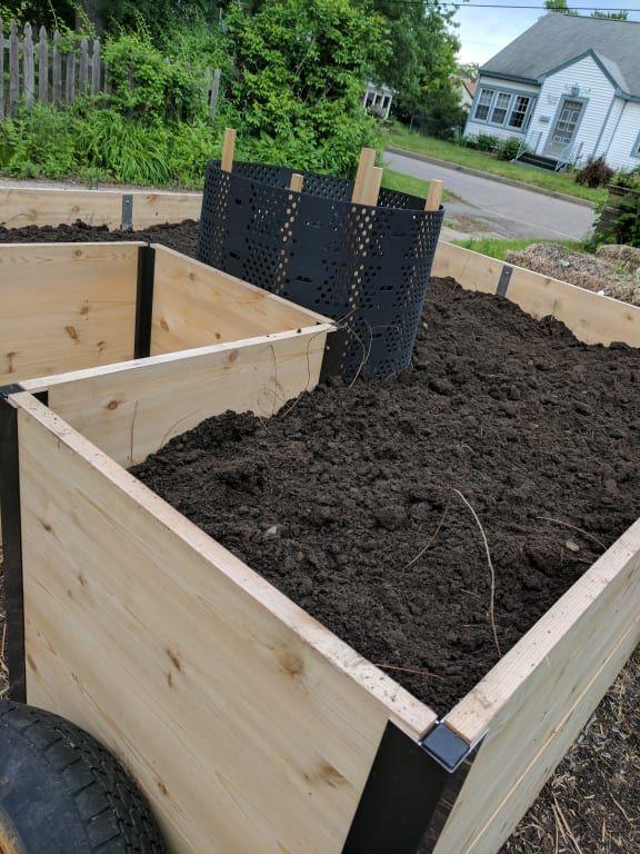 Aluminum Corner Brackets For Diy Raised Garden Beds Gardeners Com Tall Raised Garden Beds Raised Garden Diy Raised Garden