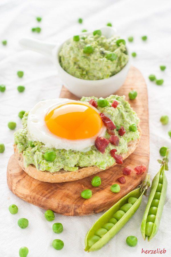 Toll mit Ei und Speck ist die Erbsencreme - Brotaufstrich nach http://herzelieb.de