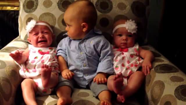 This toddler named Landon is adorably confused after meeting baby twins for the very first time. His reaction during the encounter is priceless! Adorably confused baby meets twins.