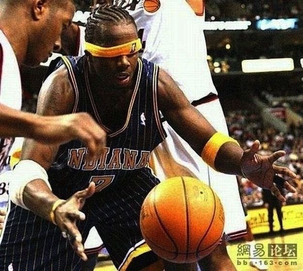 Use the force. | 24 Perfectly Hilarious Basketball Pictures