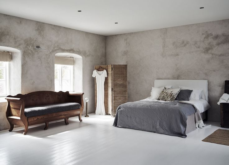est-living-island-home-in-sweden.02    Absolutely adore this bedroom, stylish simplicity