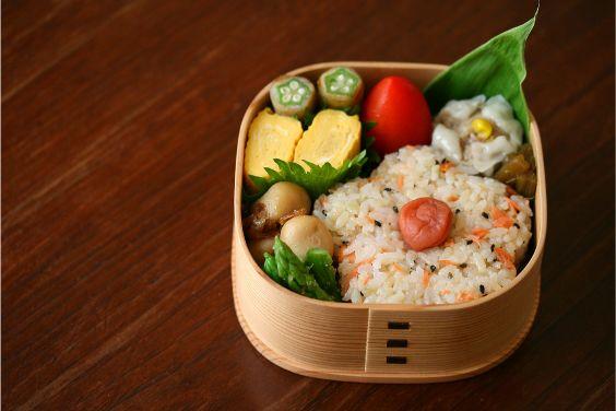今日の主人わっぱ弁当(酢飯の鮭ごはん)