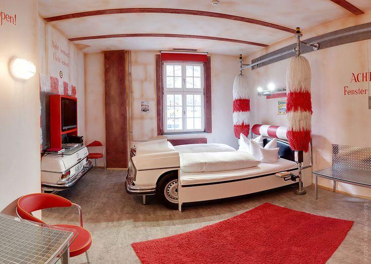 V8 Hotel - Stuttgart, Germany - car wash theme room