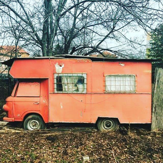 11 vind-ik-leuks, 1 reacties - ABANDONED CAR SLOVAKIA 🇸🇰 (@abandoned_car_slovakia) op Instagram: 'Barkas B 1000 ( 1961 - 1991 ) #car #abandoned #abandonedcar #abandonedcars #carwreck #slovakia…'