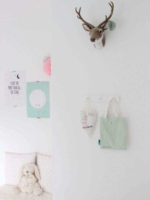 Kinderkamer - Interieur - ShowHome.nl Hert tegen de muur!
