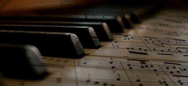 Come trovare spartiti musicali gratis sul Web Sei un musicista amatoriale oppure anche uno studente di musica ? Stai cercando degli spartiti musicali da scaricare gratis per chitarra, pianoforte, batteria o per qualsiasi altro strumento ? Allora #web #musica #canzoni #internet