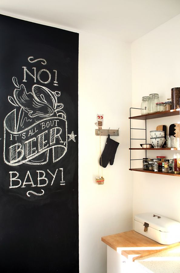 chalkboard wall in my kitchen #chalkboard #stringshelf