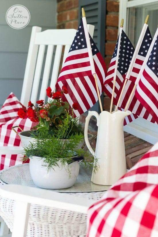 Simple 4th of July decor: small flags in a white vase | simple home decor | simple summer decor