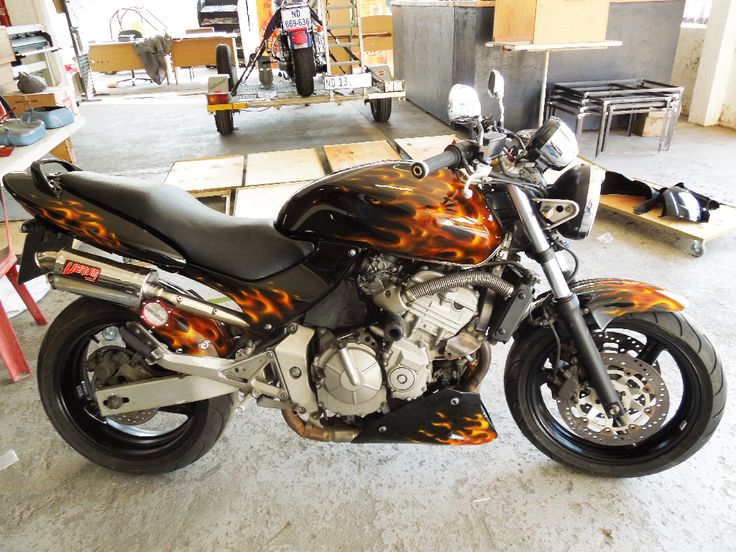 Honda Sport CB600F   True-Fire design airbrushed and painted by PAZ.