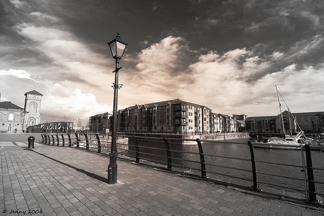 Lamp Light . . .    Swansea Marina...