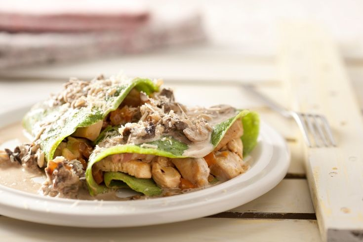 Crepes de espinaca con pollo y salsa de hongos maru for Salsa para crepes