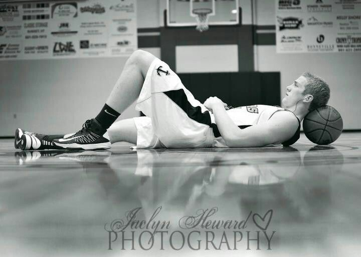 Basketball Senior Picture Poses | Senior basketball pose ideas. Jaclyn Heward photography