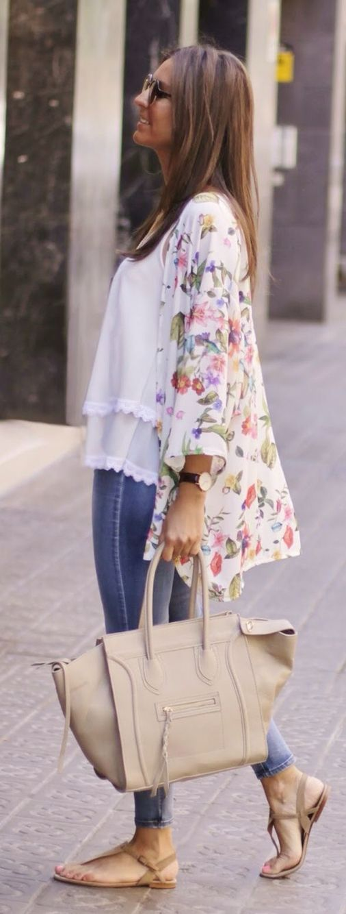 Beautiful floral kimono https://www.stitchfix.com/referral/10397149