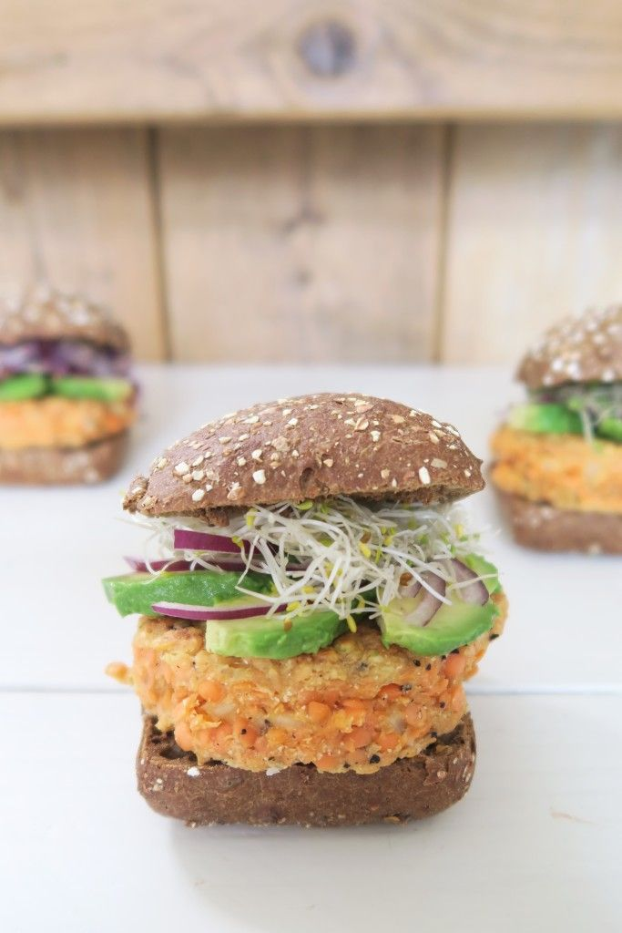 Hamburgers van rode linzen met kiemen en avocado | Beaufood | Bloglovin'