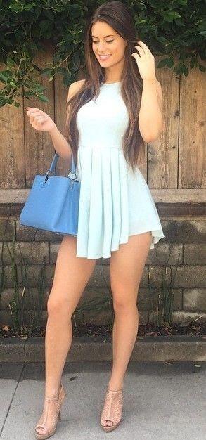 Fotos de mujeres hermosas en vestidos cortos