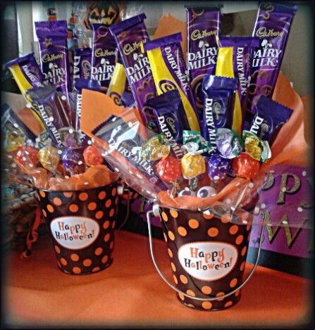 #Halloween #party #chocolate #bouquet #trickortreat #gift #candy #sweetcart #sweentgroovystuff #sweets #lollipops www.facebook.com/sweetngroovystuff Pre orders taken now