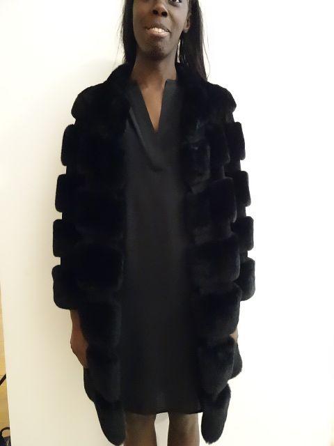 Manteau Fourrure femme H14 Diane Von Furstenberg Disponible dans la boutique algorithme la loggia Strasbourg (paiement à distance et envoi possible)