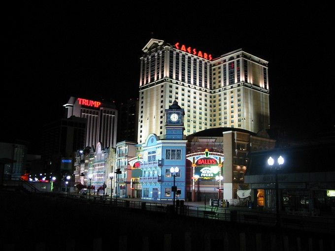 TOP 10 Casino Hotels in Atlantic City > Which Atlantic City casino is right for you? Find the best place to try your luck, no matter what your game. | atlantic city | casinos | casino hotels #luxuryhotels #luxurycasinos #atlanticcity Read more: http://hotelinteriordesigns.eu/top-10-casino-hotels-in-atlantic-city/