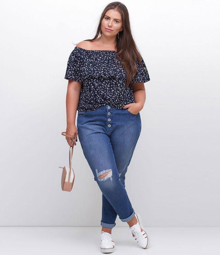 ESTAMOS COM UMA NOVA TABELA DE MEDIDAS, AGORA SOMOS CURVE & PLUS SIZE, CONFIRA ACIMA A TABELA DESTE ITEM. Calça feminina Curve & Plus Size Modelo skinny Em jeans Com rasgos no joelho Marca: Ashua Tecido: Jeans Composição: 98% algodão; 2% elastano Modelo veste tamanho: 48 Veja outras opções de produtos Ashua. Na Ashua, você encontra peças desenhadas especialmente para valorizar as suas curvas. Esta é uma marca de venda exclusi...