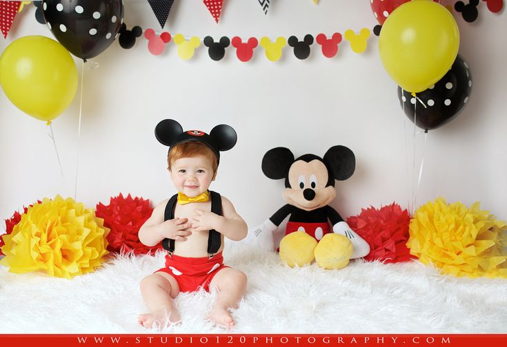Mickey Mouse Smash Cake: Best 25+ Disney Themed Cakes Ideas On Pinterest