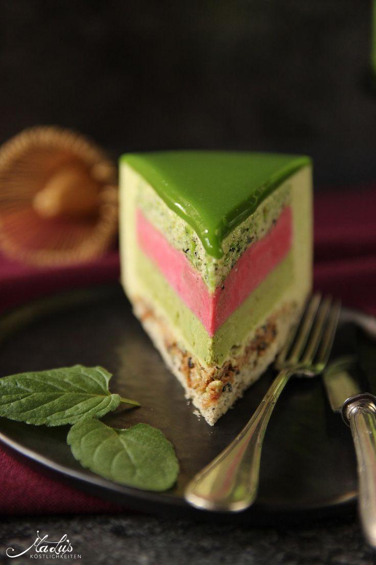 Matcha-Limetten Torte mit Himbeere & schwarzem Sesam