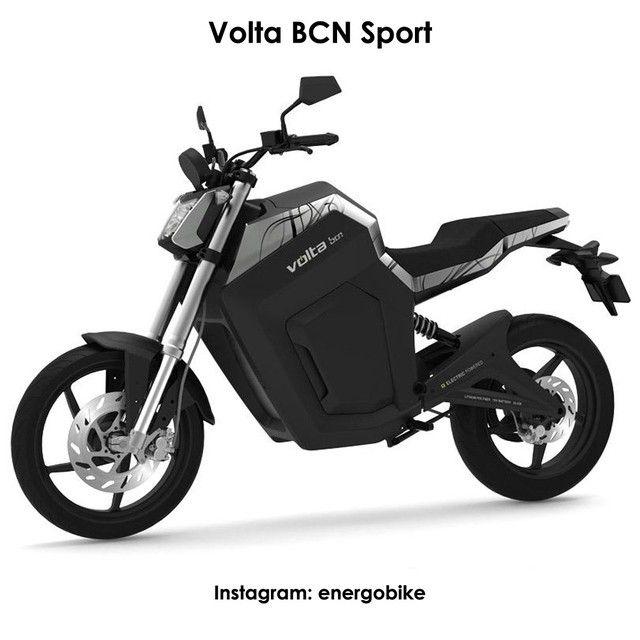 Volta BCN Sport Это городской электромотоцикл, который показывает хорошую динамику благодаря спортивным настройкам. Имеет  высокие эксплуатационные характеристики, технологические новинки и отменный дизайн. Эта модель хорошо зарекомендовала себя. Максимальная скорость электромотоцикла: 120 км.ч Пробег на полном заряде аккумуляторов: 70 км Мощность: 35 лошадиных сил Стоимость: 10 000$