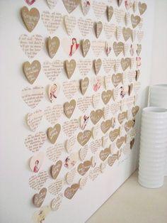 Leuke hartjes van papier geplakt waar de gasten dan een berichtje kunnen schrijven