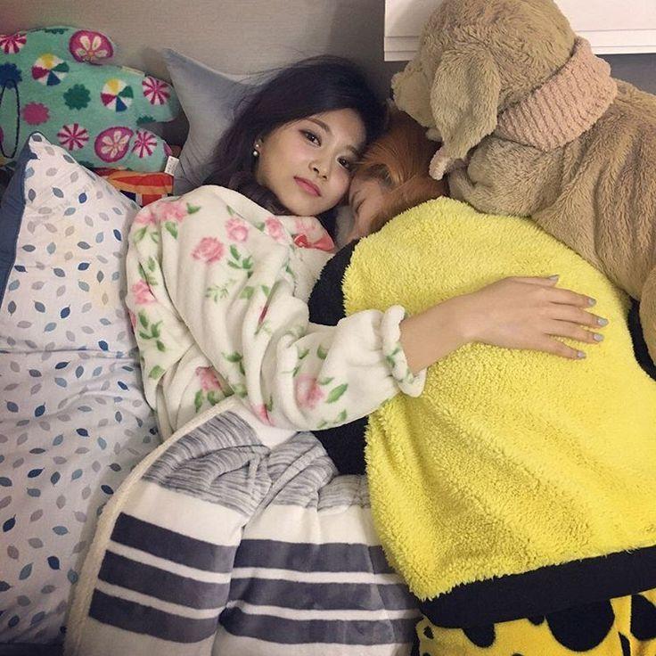 Tzuyu and Dahyun