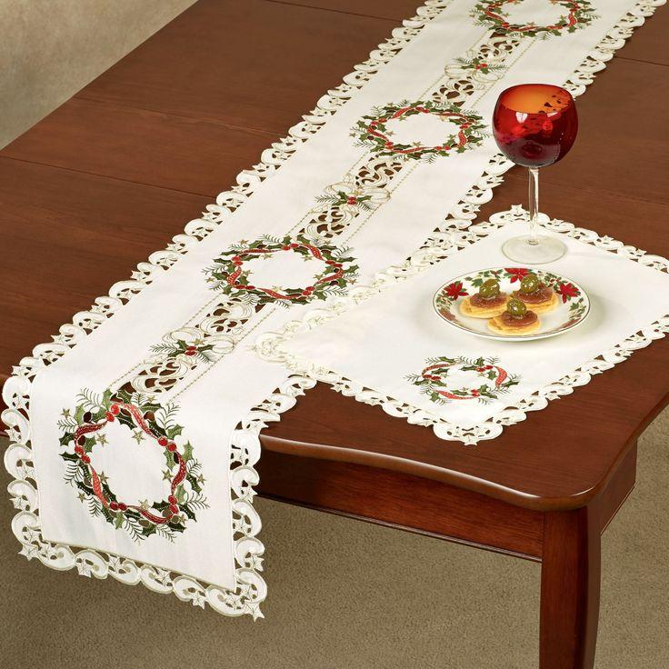 Праздник венок длинный стол бегун крем
