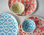 Round serving tray Grapefruit Gothic pattern made in San Antonio