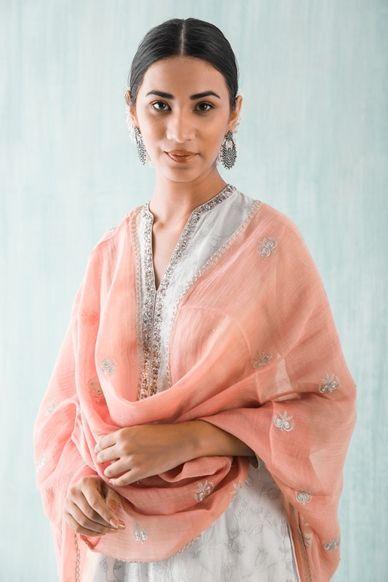 Goodearth - Zeenat:Buti Chanderi Odhani