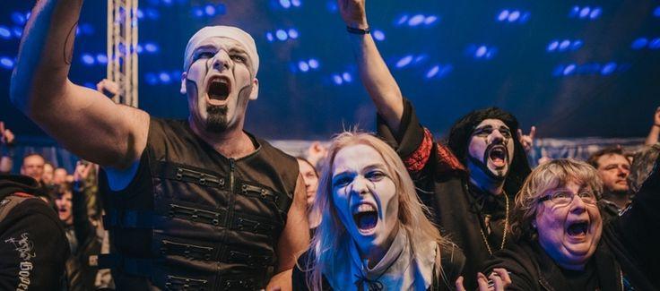 Metal-Beben in den Bergen: Erstbesteigung des Full Metal Mountain