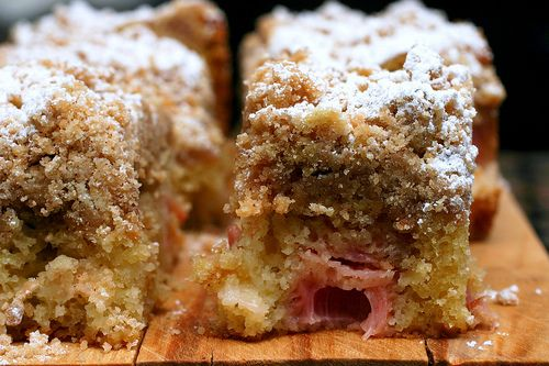 Big Crumb Coffee Cake - Might try this with a different fruit since I'm not a fan of Rhubarb - but it looks super yummy!