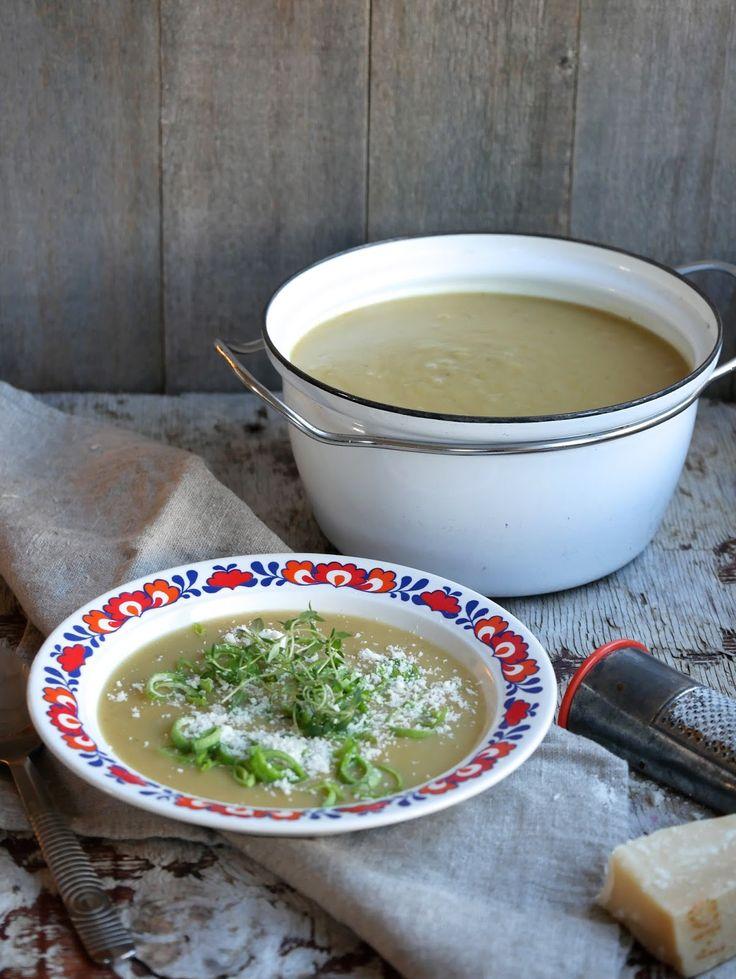[kjøkkentjeneste]: Potet- og purreløksuppe av ovnsbakte poteter