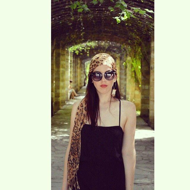 #stekiapantou #stekia #pantou #earring #cork #buttons #mondel #photoshooting #photoshoot #ladydbag #fashion #blogger #demy #karvela #greece #summer #sunglasses