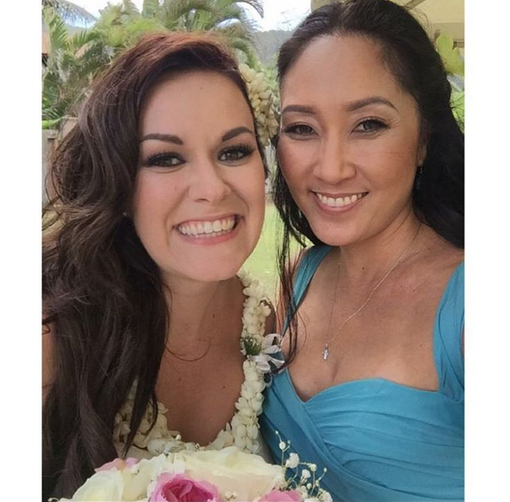 These beautiful girls wear our lashes. Congratulations Kelli! #bridallashes #hawaiibride