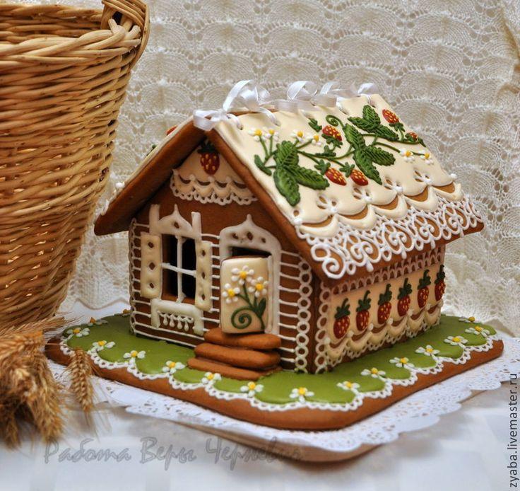 Купить или заказать 'Земляничное настроение' большой пряничный домик в интернет-магазине на Ярмарке Мастеров. Нежный летний кружевной домик с ароматной лесной земляникой на крыше наполнит ваш дом не только ароматом пряников, но и воспоминаниями о тёплых летних днях. Такой пряничный домик станет необычным и оригинальным подарком на юбилей, день рождения, свадьбу, юбилей совместной жизни, хотя вобщем-то не нужно повода, чтобы порадовать дорогого Вам человека. Домик можно выполнить в другой…