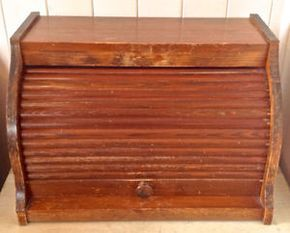 Vintage. Collection. Boîte à pain en bois. Couvercle rotatif L