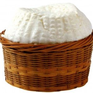 GIUNCATA VACCINA ABRUZZESE (SPRISCIOCCA) P.A.T. Formaggio grasso, fresco, a pasta molle. Il nome del formaggio racchiude le fasi più importanti della sua produzione: il giunco, dove viene posta la pasta dopo l'estrazione dalla caldaia, e il modo di comprimere la pasta, definita dagli abruzzesi spremitura. Formaggio a pasta molle di bassa aromaticità.