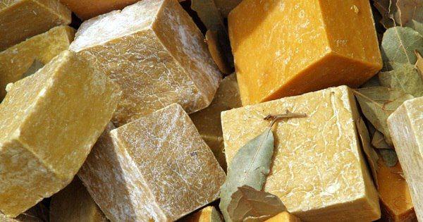 Уникальные свойства хозяйственного мыла: 11 необычных секретов применения.