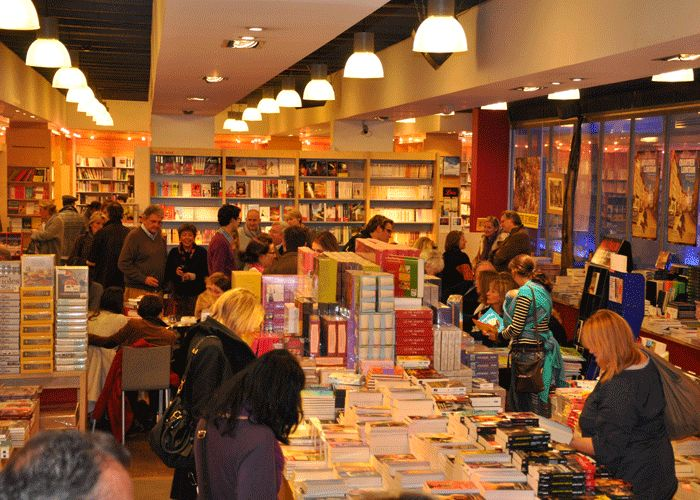 Librairie Filigranes, great place to find books in Brussels, mostly in French and a small selection of book in English