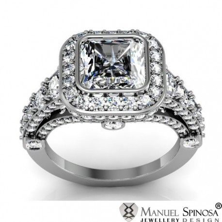 Anillo de compromiso con un diamante en talla Radiant y oro blanco 18k