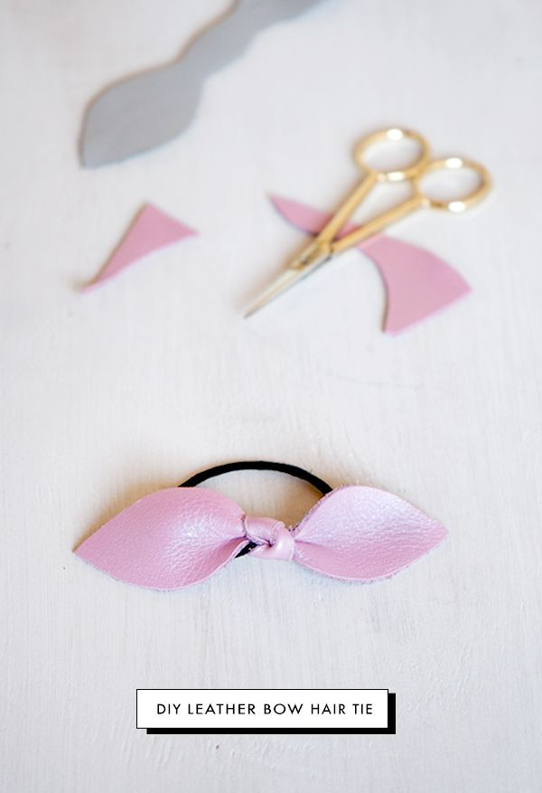 Oh the lovely things: 5 minutes DIY: Leather Bow Hair Tie