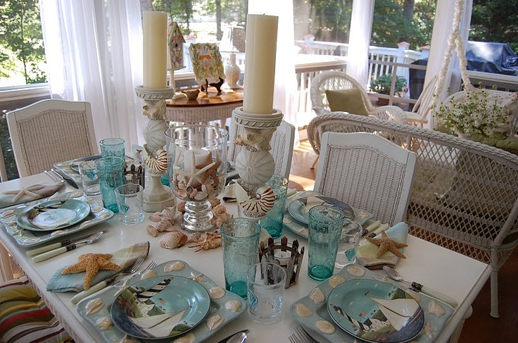 Love this seashell themed table & 31 best Beach/Aqua Themed Tablescapes images on Pinterest | Kitchens ...